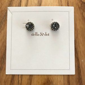 ✨ Stella & Dot Silver Studs with Grey Jewels